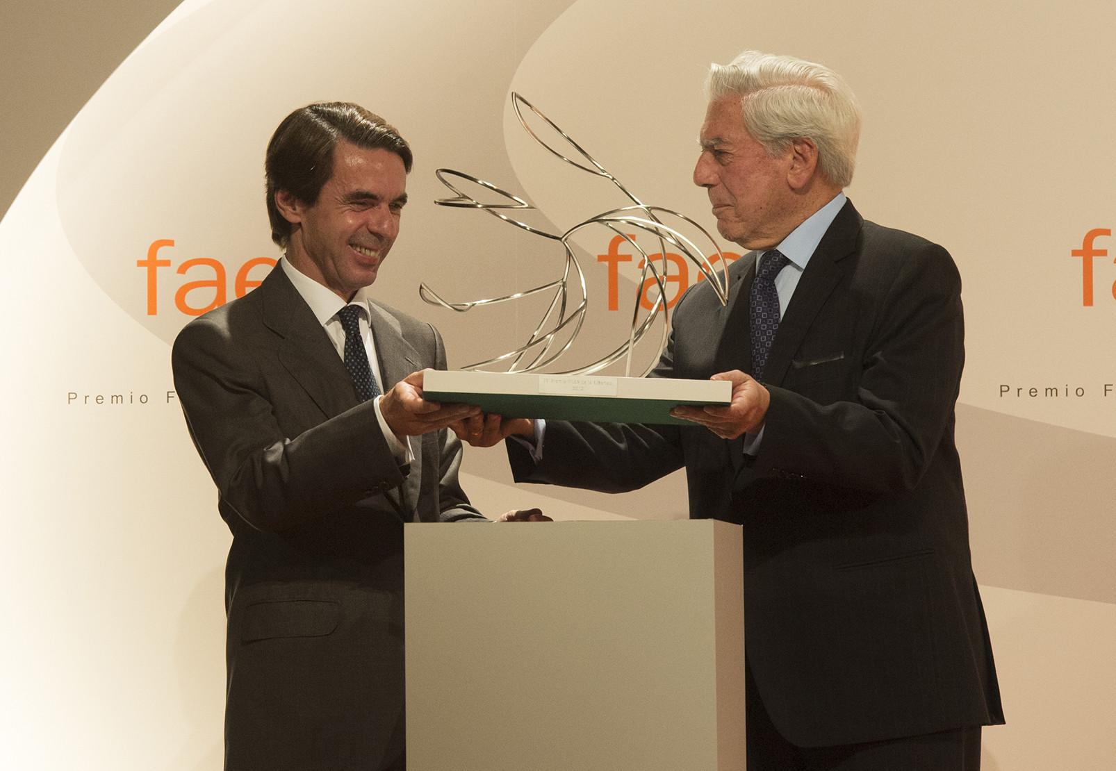 FAES (Fundación para el análisis y los estudios sociales) es una fundación dependiente del Partido Popular y creada por el ex-presidente José María Aznar en el año 2002.